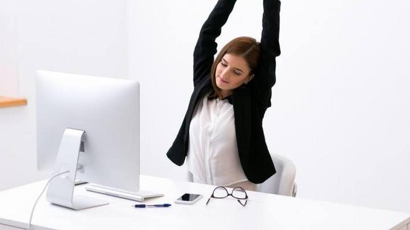 """""""Tips Memilih Kursi Kantor yang Tepat Untuk Menghindari Sakit Pada Punggung"""""""